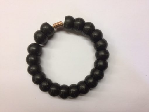 black beaded collar for mast